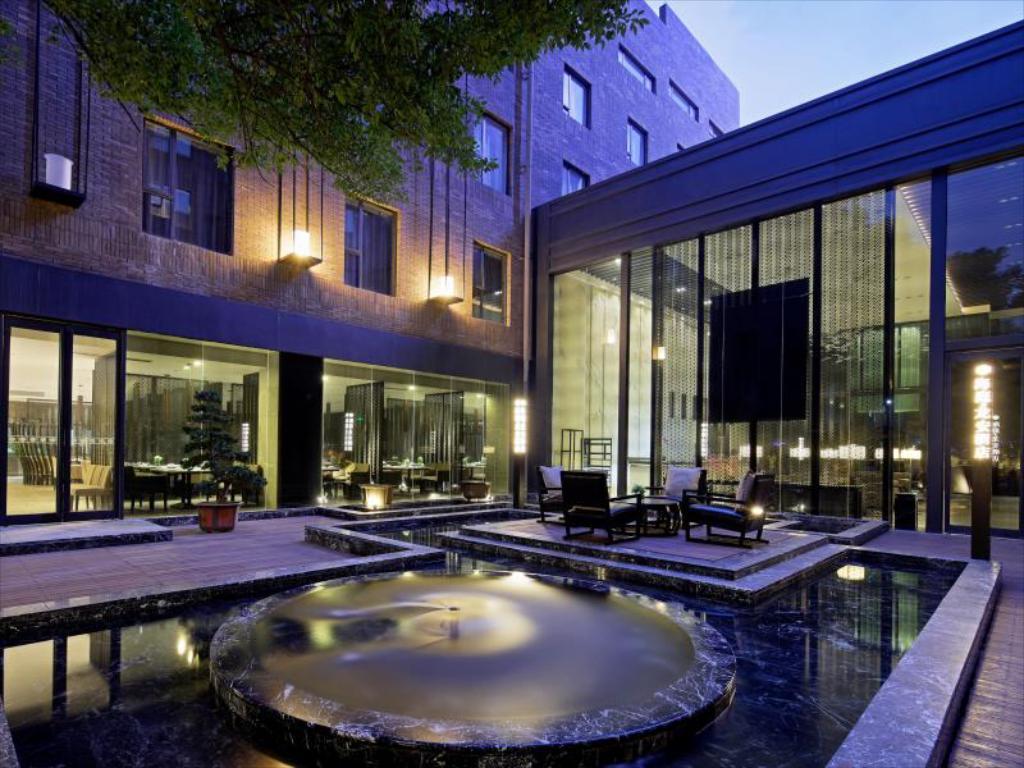 هتل هایتینگ لونگان ووهان