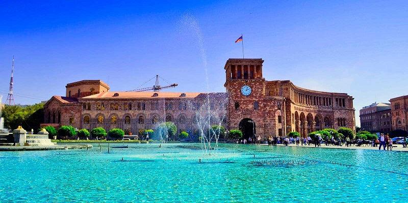 میدان جمهوری ایروان ارمنستان