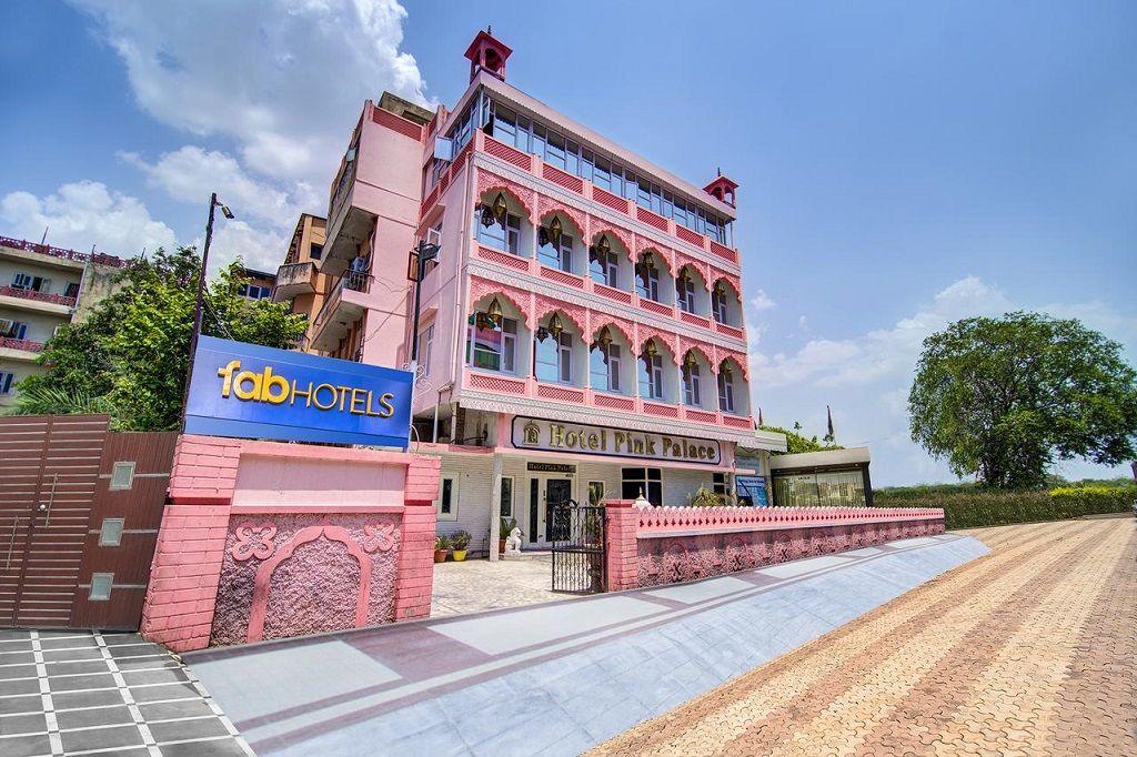 هتل فاب پینک پالاس جیپور - قیمت هتل های 3 ستاره جیپور