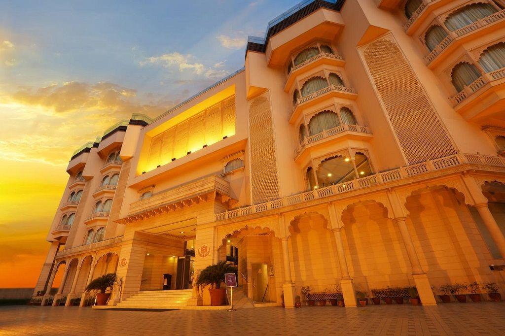 هتل گلدن تولیپ جیپور - بهترین هتل 4 ستاره جیپور
