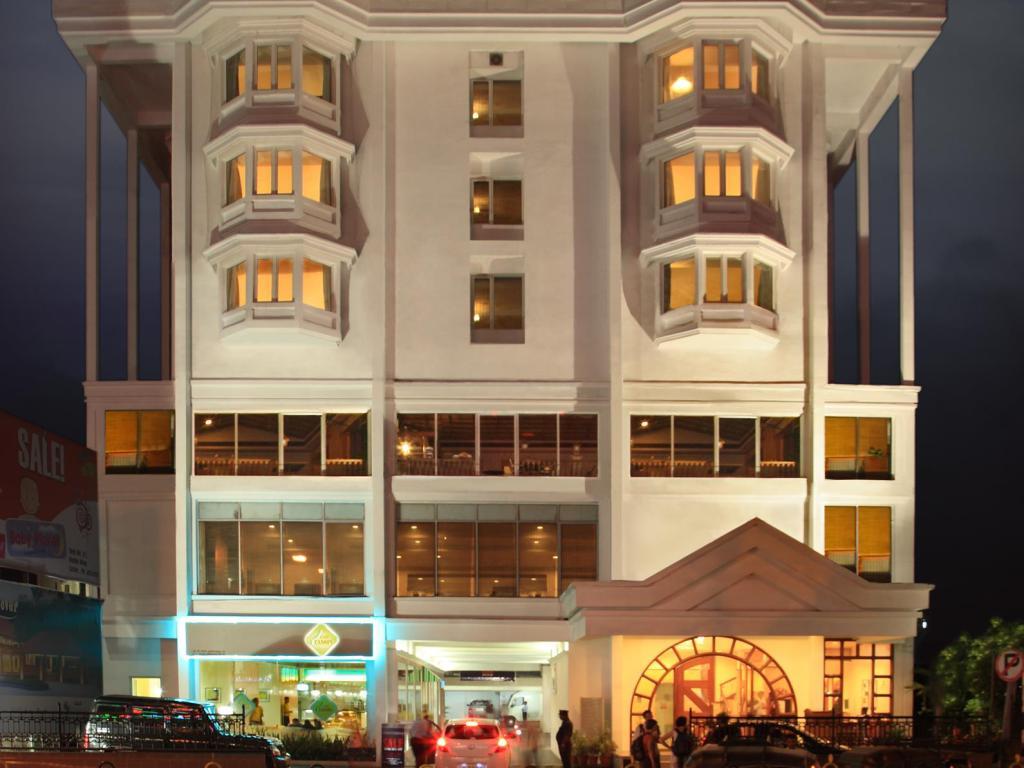 هتل آباد پلازا کوچی - هزینه اقامت در کوچی