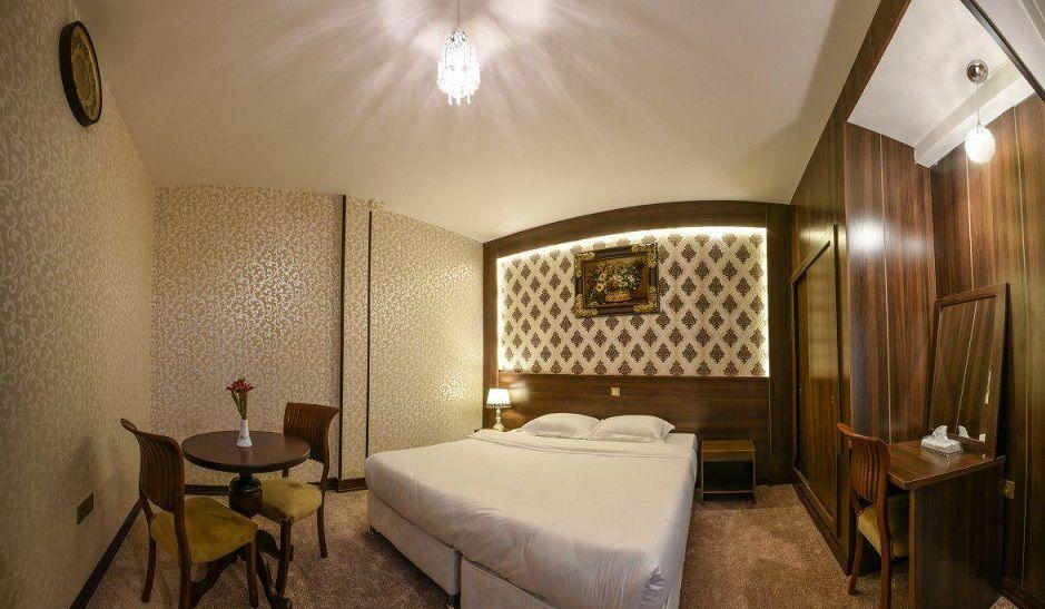 بهترین قیمت هتل استقلال قم