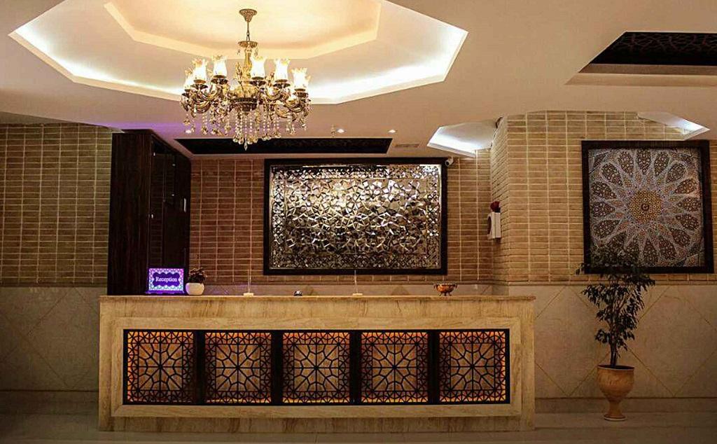 نرخ رزرو هتل سنتی وکیل شیراز - اجاره سوئیت در شیراز